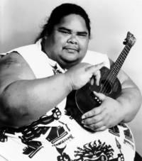Asi nejslavnější Havajský hudebník spojovaný s tímto nástrojem je/byl (náhled)