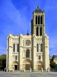 Na obrázku č.1 je 1. gotická stavba v Evropě. Jak se jmenuje? (náhled)