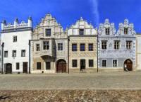 Renesanční domy na obrázku č.19 jsou součástí historického jádra městské památkové rezervace: (náhled)