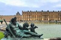 Kromě sakrálních staveb se v době baroka stavěla i honosná sídla vladařů a bohatých šlechtických rodů. Na obrázku č.11 je: (náhled)