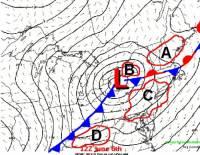 """Tlak níže se posouvá k východu směrem k Ohiu, ráno oblastí prošly četné bouřky ještě před nasunutím tlk. níže-jezerní bríza a outflow boundaries z těchto bouřek přetrvávají v oblasti. Kde hrozí s nejvyšší pravděpodobností iniciace supercel a hrozba """"tornado outbreaku""""? (náhled)"""