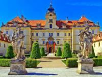 Barokní zámek na obrázku č.9 se jmenuje: (náhled)