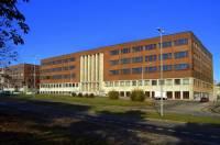 Funkcionalistická budova na obrázku č.14 má název: (náhled)