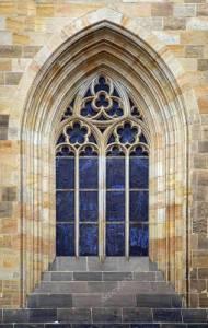 V jakém slohu bylo vytvořeno okno na obrázku č.9? (náhled)