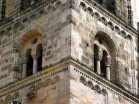 Na obrázku č.19 je fasáda budovy, která byla vytvořena ve stavebním slohu: (náhled)