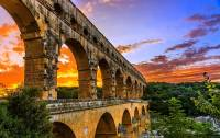 Jak se jmenuje most na fotografii č.1, který byl postaven jako akvadukt? (náhled)