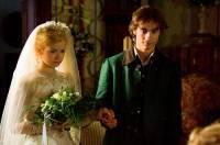 "Jsou na fotografii č.17 princezna Rozmarýnka a mladý lesník Černoočko z filmové pohádky ""Začarovaná láska""? (náhled)"