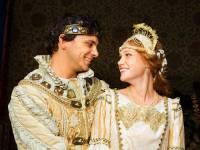 """Je na fotografii č.4 princ Jiří se svoji vyvolenou Johankou z filmové pohádky """"Johančino tajemství""""? (náhled)"""