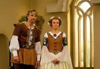 """Jsou na obrázku č.6 král Michal a princezna Anna z filmové pohádky """"Král Drozdí brada""""? (náhled)"""