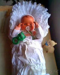 V kterých letech 20. století si hrály holčičky nejvíce s panenkou – miminkem na fotografii č.18? (náhled)
