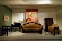 Jak se nazývá historický styl, ve kterém byl vyroben nábytek na obrázku č.26? (náhled)
