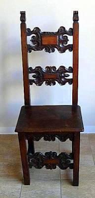 Jak se nazývá historické období, z kterého pochází židle na obrázku č.2?