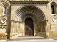 V jakém stavebním  slohu byl postaven portál na obrázku č.13? (náhled)