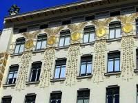 Na fotografii č.27 je fasáda budovy, která byla vytvořena ve stavebním slohu: (náhled)