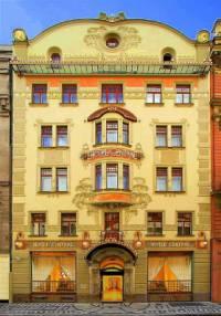 """V jakém stavebním slohu byl postaven hotel """"Central"""" na obrázku č.23? (náhled)"""