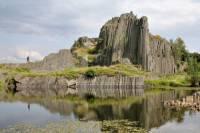 Z jaké horniny je tvořena Panská skála? (náhled)