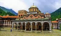 Který klášter zapsaný mezi kulturními památkami na seznamu UNESCO od r.1983 je na obrázku č.14? (náhled)