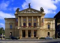 Historické divadlo na obrázku č.11 se jmenuje: (náhled)