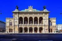 Historické divadlo na obrázku č.13 se jmenuje: (náhled)