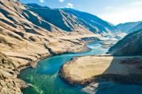 V Idaho se na této řece nachází nejhlubší kaňon USA, dokonce o hodně hlubší než Grand Canyon. Stěny této obrovité průrvy se v nejhlubším místě tyčí téměř 2400 metrů nad jejím dnem. Jak se jmenuje? (náhled)
