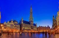 Náměstí na fotografii č.6, které je jedním z nejkrásnějších náměstí v Evropě, se jmenuje: (náhled)