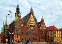 Historická radnice na fotografii č.12 patří mezi turisticky atraktivní budovy ve městě: (náhled)