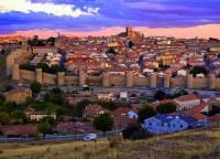 Jak se jmenuje opevněné historické město na fotografii č.12? (náhled)