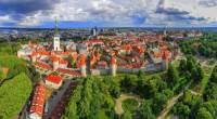 Opevněné historické město na fotografii č.14 se jmenuje: (náhled)