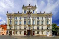 Která historická budova je na fotografii č.3? (náhled)