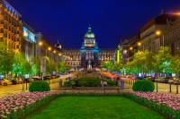 Které pražské náměstí je na fotografii č.12?  (náhled)