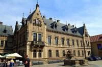 Jaká historická stavba stojící v areálu Pražského hradu je na obrázku č.12? (náhled)