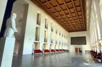 Jak se nazývá interiér Pražského hradu na obrázku č.13?  (náhled)