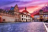 Označte paláce na Hradčanském náměstí, které jsou na fotografii č.8? (náhled)