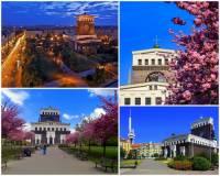 Jak se jmenuje jedno z významných pražských náměstí na fotografii č.13? (náhled)