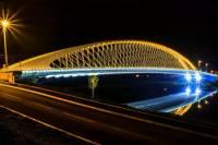 Jak se jmenuje nejnovější pražský most na obrázku č.11, vedoucí přes řeku, který byl dán do provozu teprve v r. 2014? (náhled)