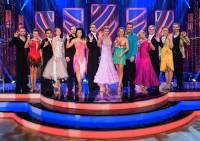 Na fotografii č.6 jsou účastníci taneční soutěže STARDANCE v roce: (náhled)