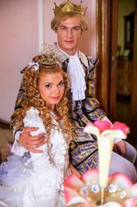"""Jsou na fotografii č.14 princezna Agnes a princ Markus z filmové pohádky """"Princezna na hrášku""""? (náhled)"""