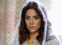 """Je na fotografii č.12 sultánova favoritka, perská princezna Firuze Hatun ze seriálu """"Velkolepé století""""? (náhled)"""