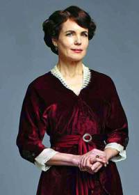 """Je na obrázku č.20 Lady Cora Crawleyová, hraběnka Granthamová, manželka lorda Granthama ze seriálu """"Panství Downton""""? (náhled)"""