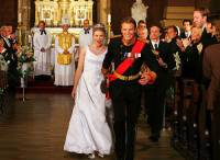 """Jsou na fotografii č.11 novomanželé – studentka medicíny, Američanka Paige Morganová a dánský korunní princ Magnus z filmu """"Princ a já 2: Královská svatba""""? (náhled)"""