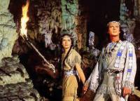 """Je na fotografii č.1 Vinnetou, náčelník indiánského kmene Apačů a jeho sestra Nšo-či ve filmu """"Vinnetou""""? (náhled)"""
