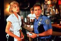 """Je na obrázku č.20 policista, pochůzkář v Queensu Charlie Lang a servírka Yvonne Biasiová z filmu """"Město andělů""""? (náhled)"""