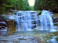 Ve kterém národním parku mohou turisté obdivovat Mumlavský vodopád na obrázku č.14, který patří k nejmohutnějším a nejkrásnějším vodopádům v ČR? (náhled)