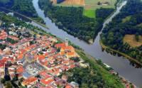 Které město na fotografii č.3 leží nad soutokem Labe s Vltavou? (náhled)