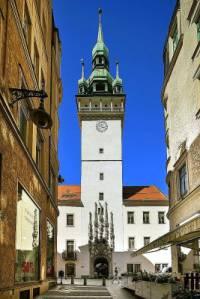 Město, ve kterém je radnice na obrázku č.3 se jmenuje: (náhled)