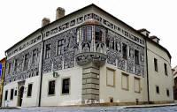 Na fotografii č.14 se nachází historická stavba ve městě: (náhled)