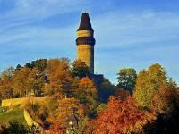 Věž na obrázku č.10 je symbolem města: (náhled)