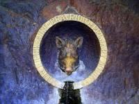Reliéf prasečí hlavy na obrázku č.21 se stal symbolem města: (náhled)
