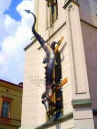 Legendární drak zavěšený na radnici na obrázku č.25 se stal symbolem města: (náhled)