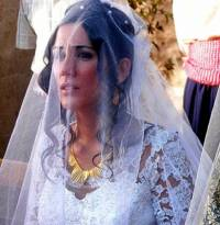 Na obrázku č.20 vidíme nevěstu ze seriálu: (náhled)